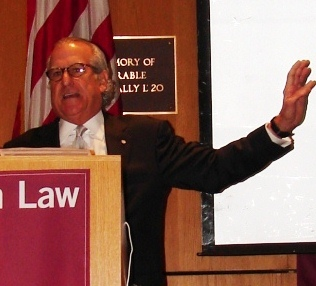 Seminar Co-Chair Gerald H. Goldstein moderating a panel on prosecutorial misconduct at NACDL's 6th Annual Defending the White Collar Case Seminar held in New York City in September 2010.